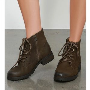 Steve Madden Brown Leather Gobbin Ankle Boots.